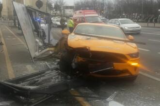 Accident în București: trei persoane au fost lovite de o mașină, pe trotuar