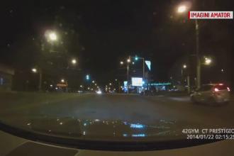 Un tânăr a făcut prăpăd pe un bulevard din Constanța, după ce s-a urcat beat la volan