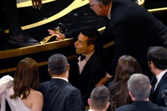 Incident la Oscar 2019. Momentul în care Rami Malek cade de pe scenă