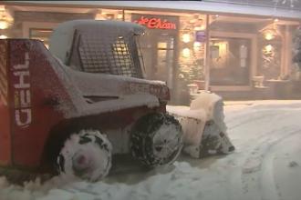 Atena, îngropată sub zăpadă. Vremea rea i-a luat prin surprindere pe localnici