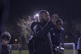 Un fost gangster şi-a făcut club de fotbal după ce fraţii lui au fost împuşcaţi de rivali