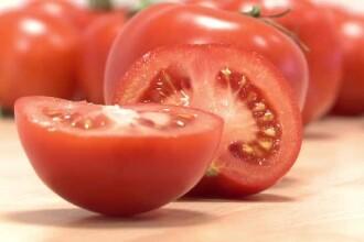 """Specialiștii avertizează că piața e plină de """"roșii toxice"""". Semnele legumelor sănătoase"""