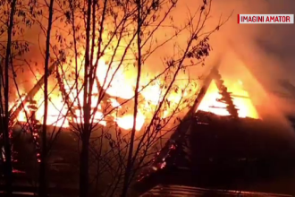 Incendiu violent la Muzeul Satului din Cluj. În timpul zilei în imobil funcţiona şi o grădiniţă