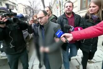 Pățania unei bătrâne care a fost tratată de falsul medic ortoped și psiholog din București