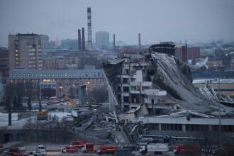 Momentul în care acoperișul unui stadion se prăbușește în câteva secunde. VIDEO