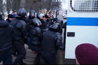 Proteste împotriva lui Putin. Poliția a intervenit în forță împotriva manifestanților