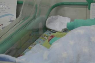 Tragedie fără margini în Baia Mare. Un bebeluș de o lună a fost găsit mort în casă. Ce spun părinții