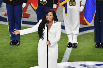 Demi Lovato, comparată cu Whitney Houston după interpretarea de la Super Bowl. VIDEO