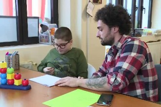 Copiii care suferă de autism ar putea beneficia de la 1 aprilie de terapie gratuită