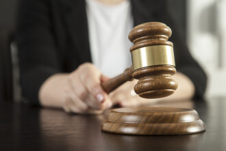 Val de pensionări în magistratură după ce parlamentul a eliminat pensiile de serviciu