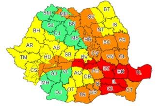 Cod roșu și portocaliu de viscol și ninsori în 11 județe din țară. Rafalele vor depăși 100-120 km/h