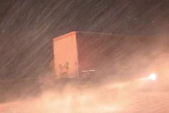 Sudul României, blocat din cauza ninsorilor și viscolului. Când scăpăm de zăpadă