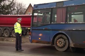 Razie fulger printre transportatorii de persoane. Ce au găsit polițiștii la 19 șoferi