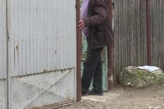 Un bărbat dispărut de acasă a fost găsit mort într-un șanț. Ce îi ceruse unei vecine