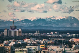 Munții Bucegi, văzuți din București prin obiectivul unui fotograf