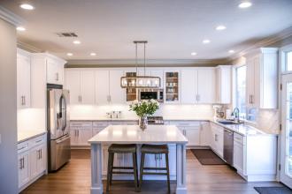 (P) Visezi la o bucătărie uimitoare? Descoperă 3 elemente care îți pot transforma visul în realitate!