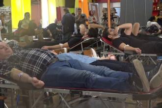 Numărul donatorilor de sânge, în scădere. Spitalele au început să amâne operaţiile