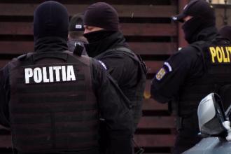 Percheziţii în Prahova şi Brăila la persoane bănuite de trafic cu etnobotanice