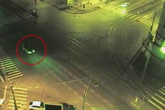 Șoferul fără permis oprit de polițiști cu focuri de armă, sub control judiciar 60 de zile
