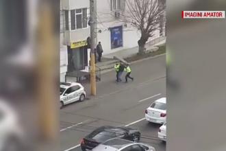 VIDEO. Ce a pățit un tânăr din Constanța care a traversat prin loc nepermis