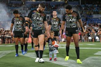 Băiatul cu nanism hărțuit de colegi, vedetă la un meci de rugby