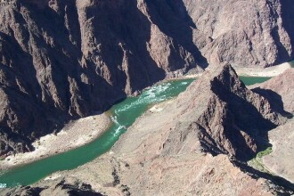 Milioane de oameni sunt in pericol sa ramana fara apa! Unul dintre cele mai mari fluvii din lume este in pericol de a seca