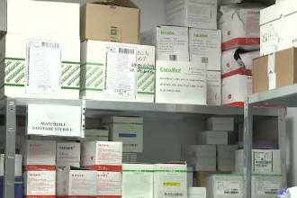 Preţurile măştilor au explodat. Spitalele nu au destule costume de protecţie