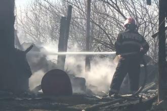 Incendiu în Prahova. O casă a fost distrusă de flăcări