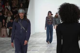 Casa Dior și-a prezentat creațiile toamnă-iarnă la Săptămâna Modei de la Paris