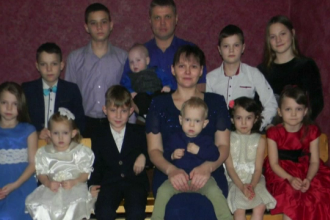 """O familie din Ucraina are 15 copii """"Am avut câte o sarcină în fiecare an"""""""