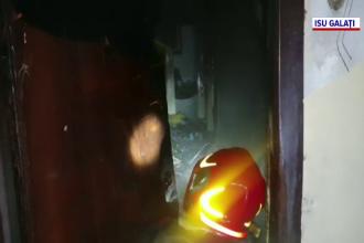 Un bărbat din Galați şi-a incendiat pentru a patra oară apartamentul. Dăduse foc unor gunoaie