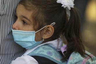 Primele cazuri de infectare cu Covid-19 a unor elevi, după începerea școlii în 8 februarie