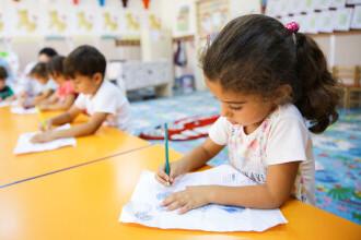 Țara care și-a închis școlile aproape un an din cauza pandemiei de COVID-19