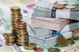 Deficitul balanţei comerciale s-a adâncit anul trecut şi a depăşit 18,38 miliarde de euro