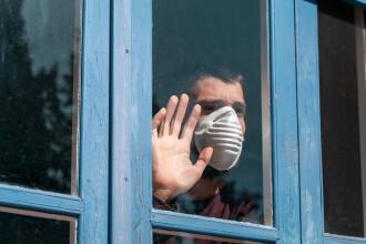 Noile reguli ce intră în vigoare de luni în București, din cauza numărului mare de îmbolnăviri