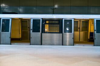 Posibilă tentativă de sinucidere la stația de metrou Lujerului. Trenurile circulă cu dificultate