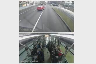 VIDEO. Accident evitat în ultima clipă de un șofer de autobuz. O pasageră a căzut din cauza frânei puternice