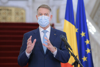 Klaus Iohannis înlocuiește ambasadorii din Germania și SUA - George Maior și Emil Hurezeanu. Alți 21 de diplomați, rechemați