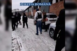 Colecție de piese auto, găsită la doi bărbați acuzați de furtul unui bolid de lux, din Alba Iulia