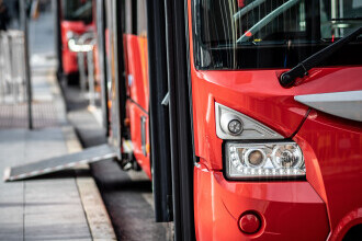 Un autobuz fără şofer a început să circule pe străzile din Malaga, în sudul Spaniei. Care este explicația