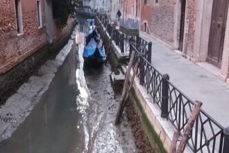 VIDEO. Veneția a ajuns în noroi după ce mai multe canale au secat din cauza mareei joase