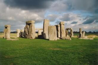Australienii le fura Stonehenge-ul englezilor