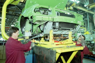 Miting al angajatilor Dacia, pentru sustinerea taxei de poluare