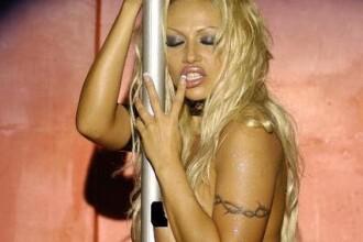 Pamela Anderson are o sosie porno romanca