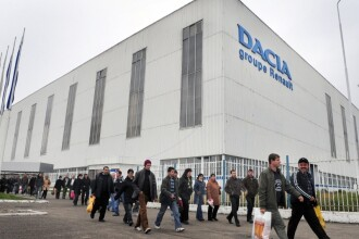 Mitingul angajatilor Dacia s-a incheiat! Urmeaza altele!