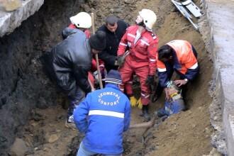 Grav accident de munca: un muncitor a murit ingropat de viu, la Vaslui