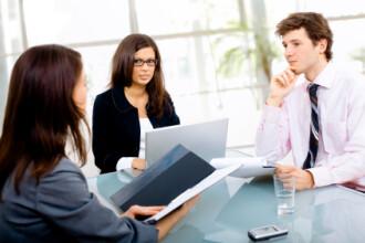 13 intrebari IMPOSIBILE puse la interviul de angajare de cele mai tari companii internationale