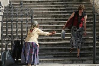 Femeie cu handicap, sechestrata si obligata sa cerseasca