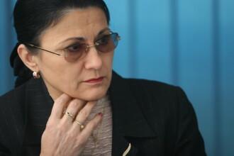 Blaga: Doamna Abramburica trebuie sa rezolve problema plagiatului lui Ponta. Stiu, greu moment!