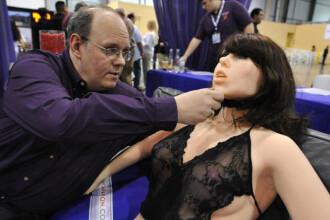 Ea este Roxxxy, primul robot care face sex! VEZI VIDEO